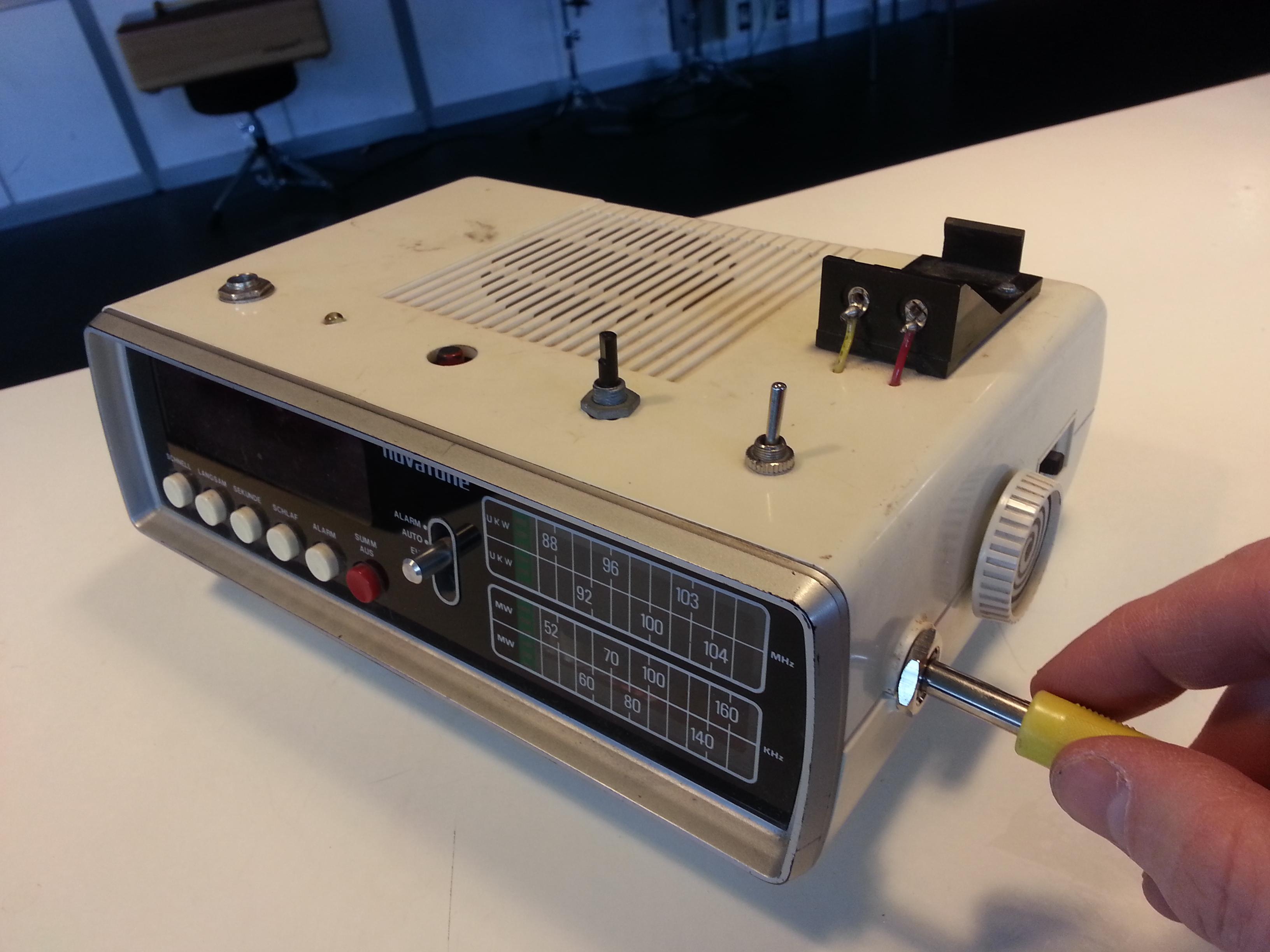 Bildlink zu den zu vermietenden Instrumenten mit einem Verstärker von Haha-Fresh.